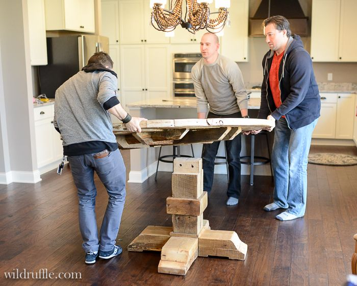 the makings of a barnwood round kitchen table decorate me rh pinterest com