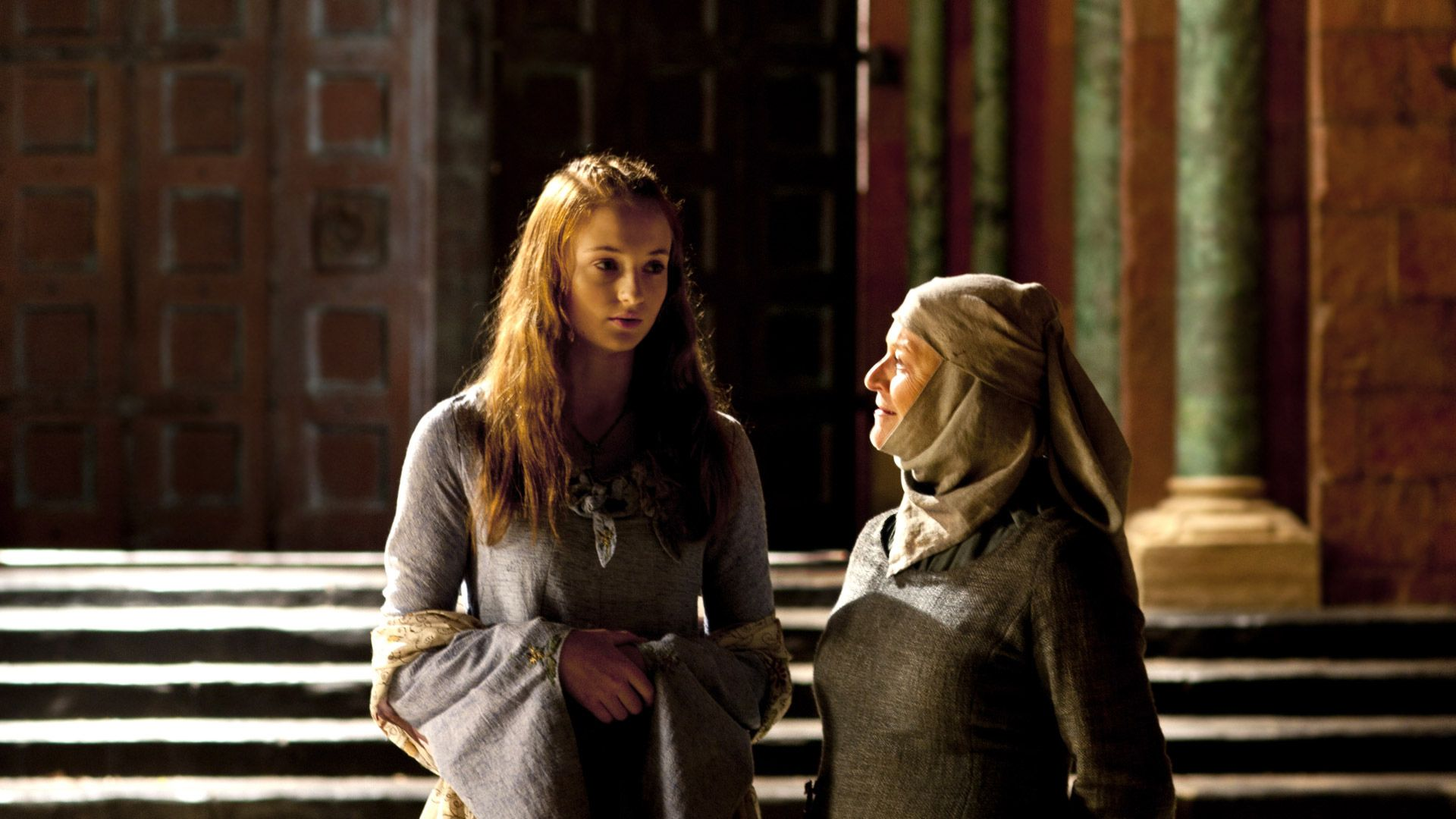 Sansa salle du trône étole blanche
