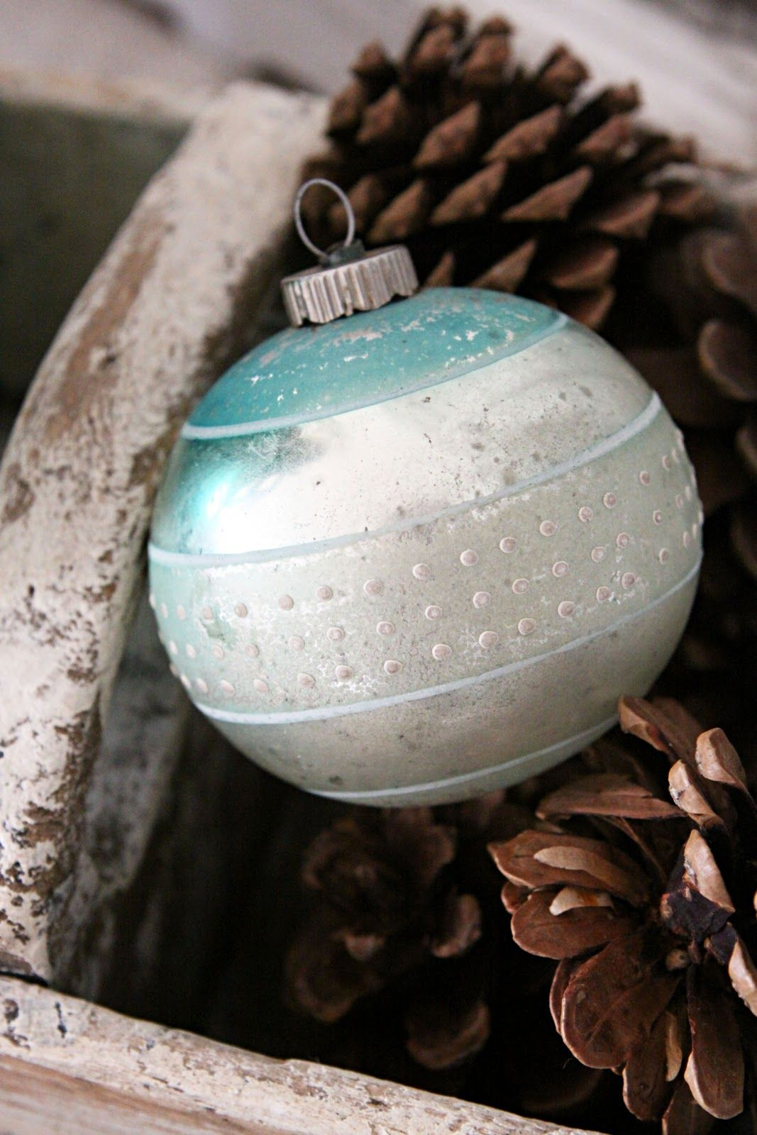 Love the vintage ornament and the simplicity of the arrangement!