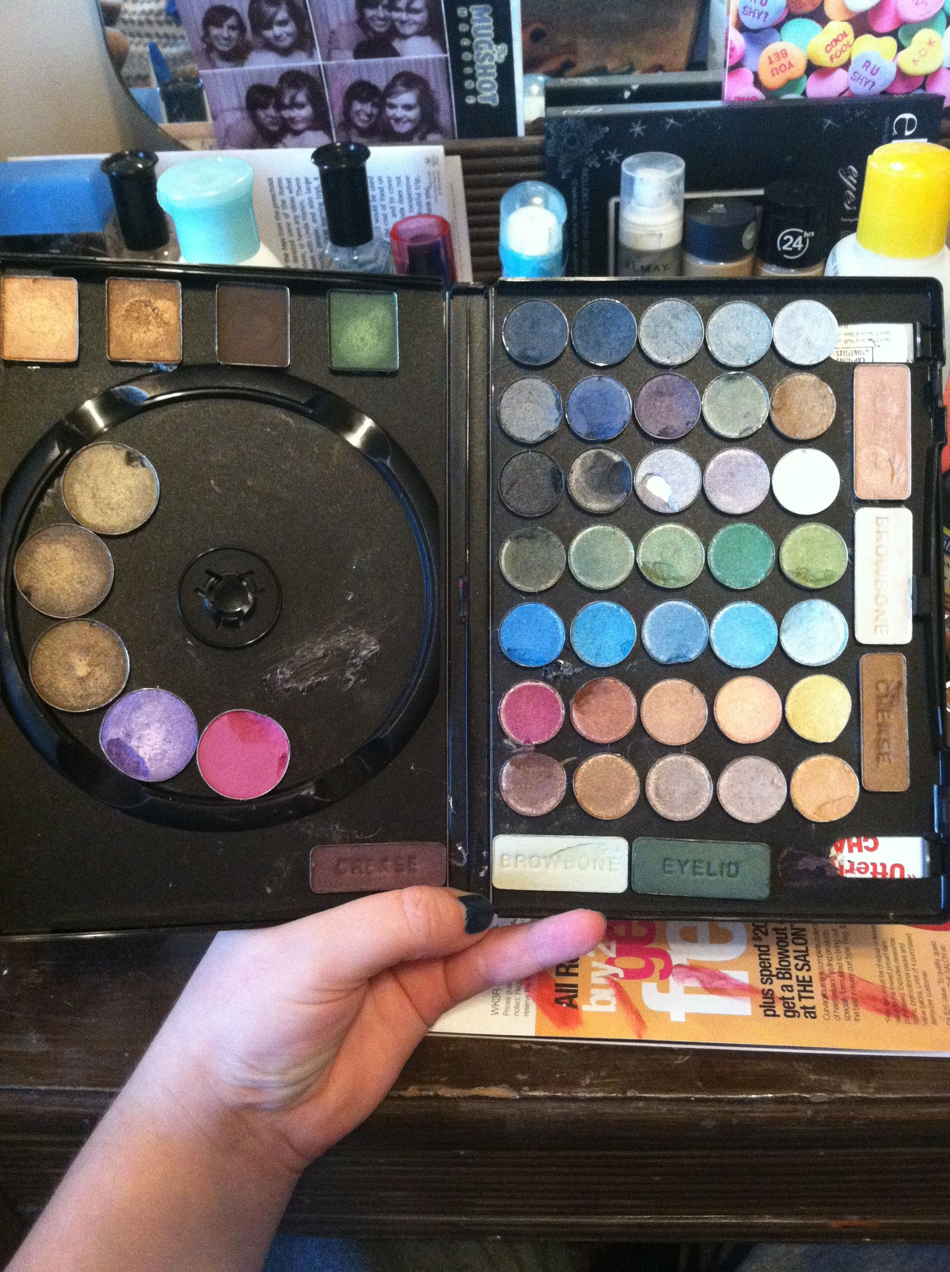 Homemade eyeshadow palette using old DVD case