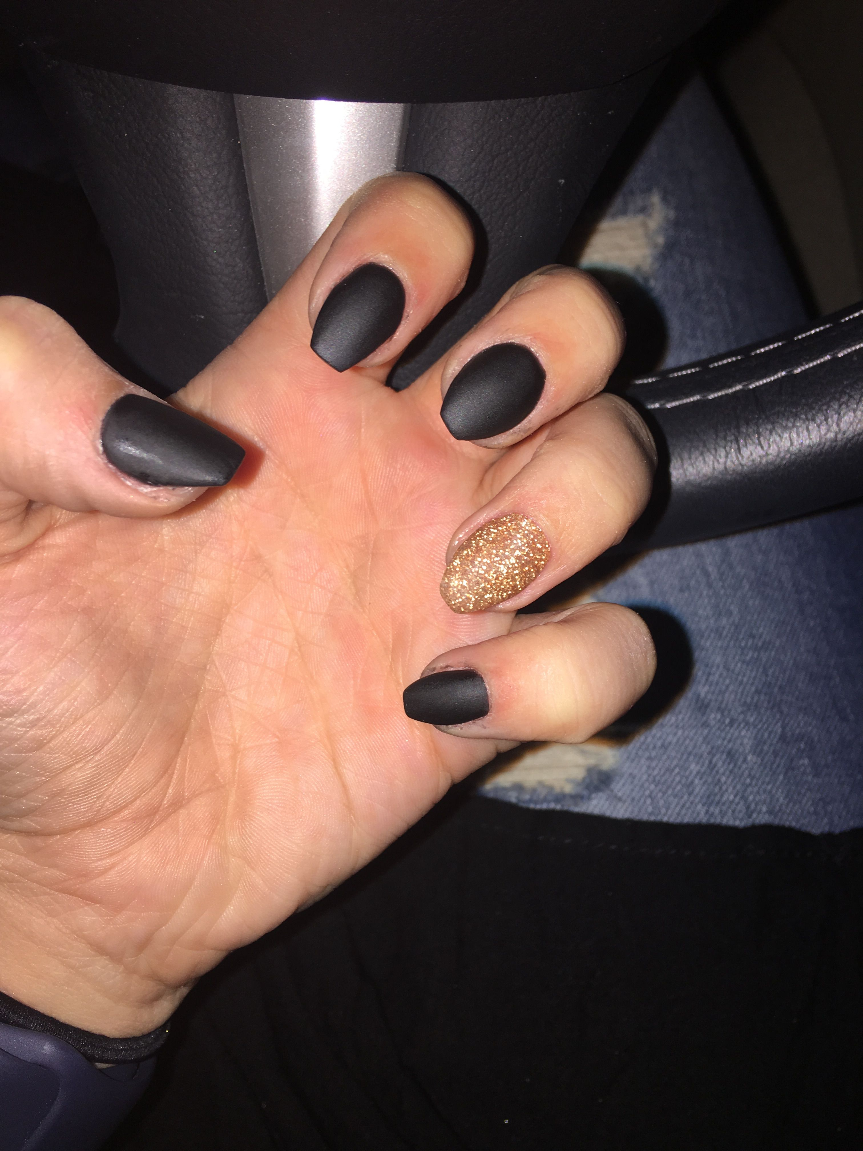 nails #black #gold #matte #matteblack | nailss | Pinterest