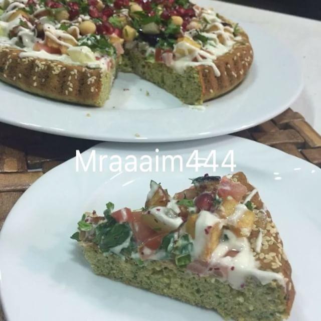 فلافل بسلطة الطرطور والطماطم Recipe Recipes Food Middle East Recipes