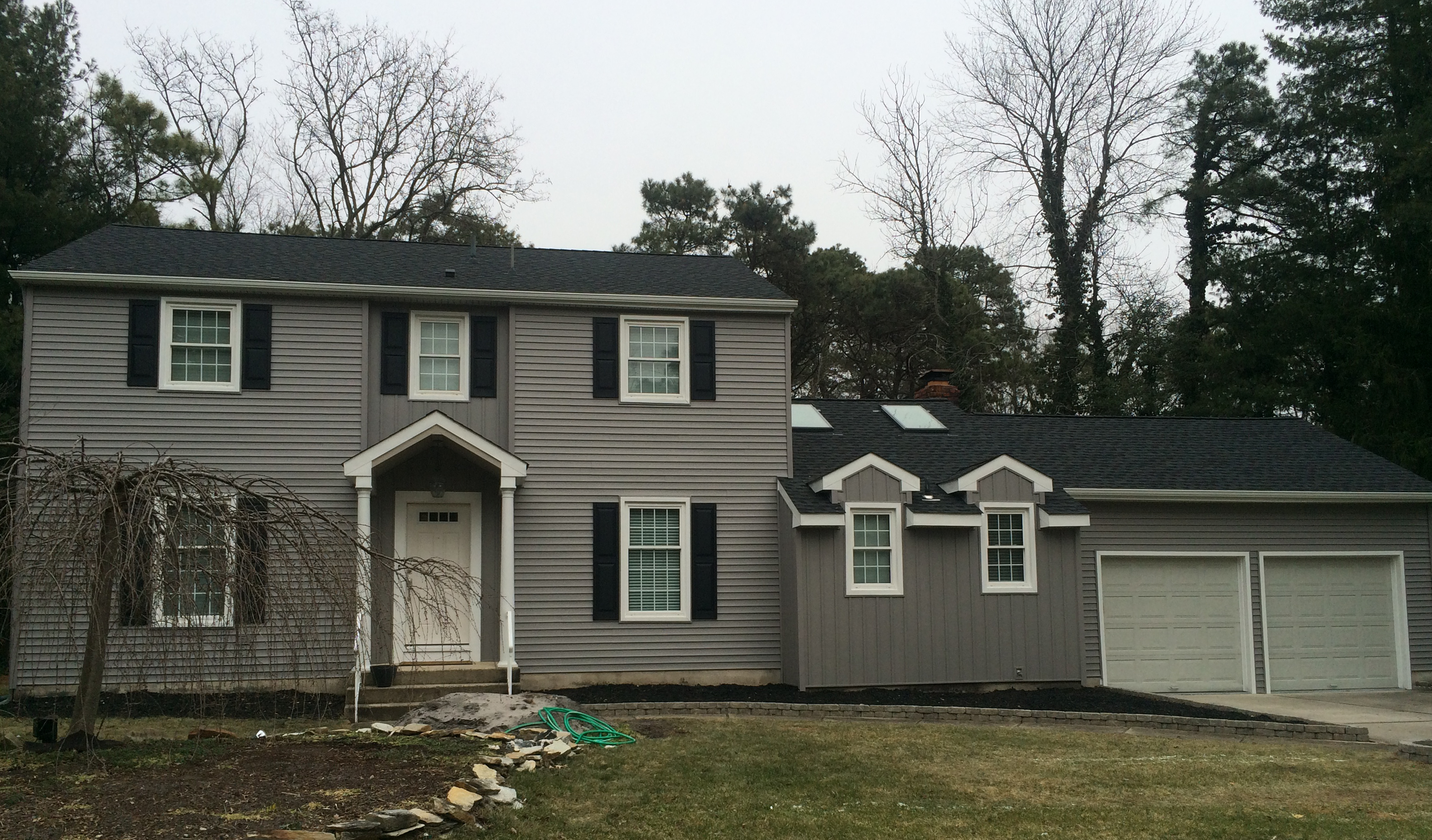 Certainteed Mainstreet Double 4 Granite Gray Siding South Jersey Roofing Marlton Roofers Installation Repair In 2020 Grey Siding Shutter Colors House Exterior