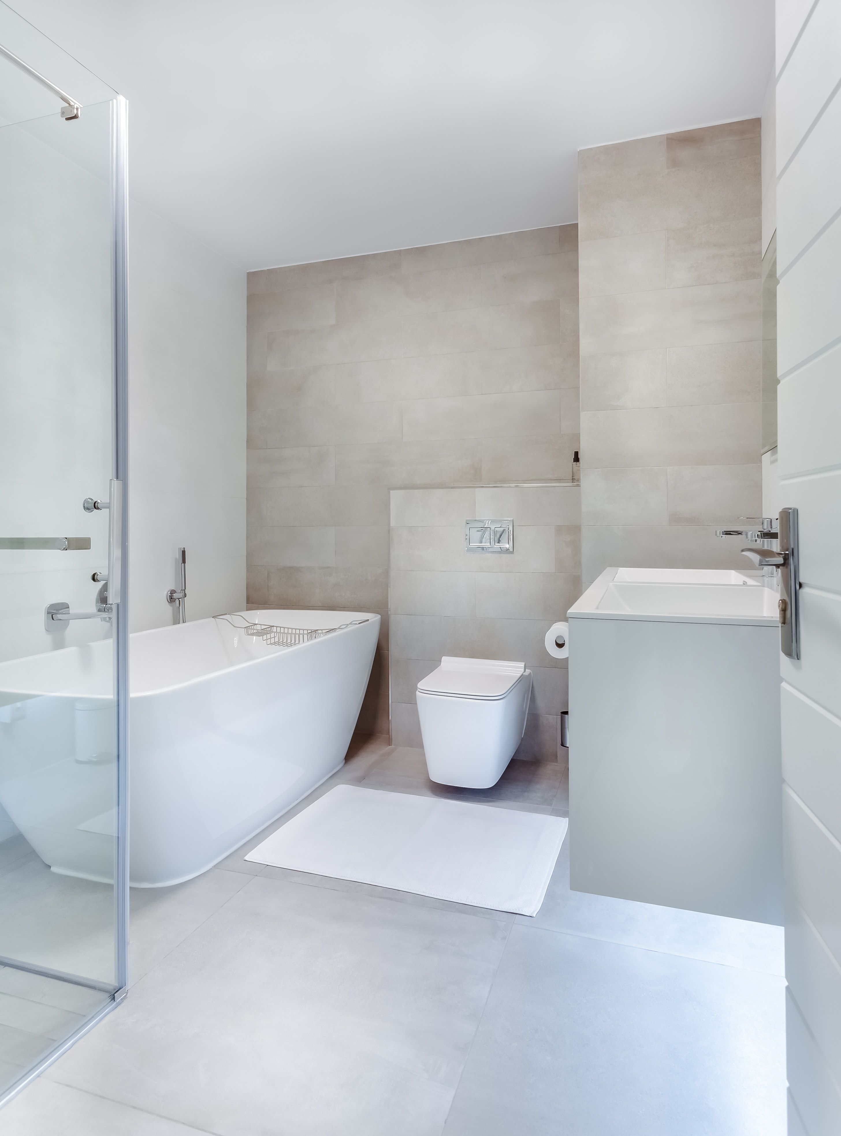Bathroom Remodeling On A Budget With A Touch Of Class Kukun Minimalist Bathroom Bathroom Design Bathrooms Remodel