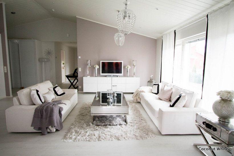 Coconut White: Mustavalkoinen olohuone kesäksi!