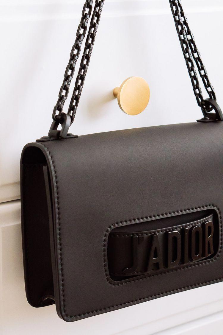 Instruir partido Republicano sangrado  Dior Matte Pre-Fall 2018 Bags are a Super Chic Alternative to Basic Black  #Chanelhandbags | Burberry handbags, Bags, Burberry bag