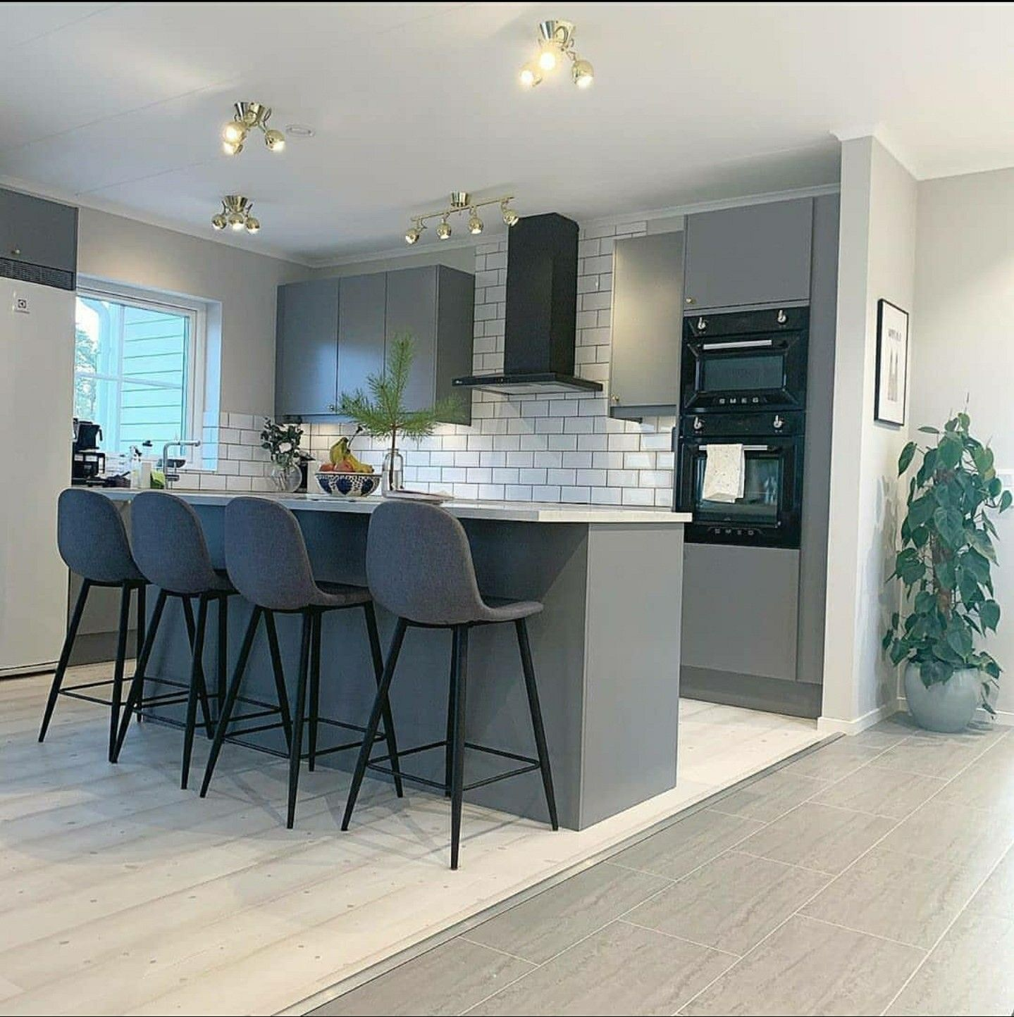 Pergo Floor S Kitchen Living Pergo Flooring Kitchen Flooring Kitchen Living