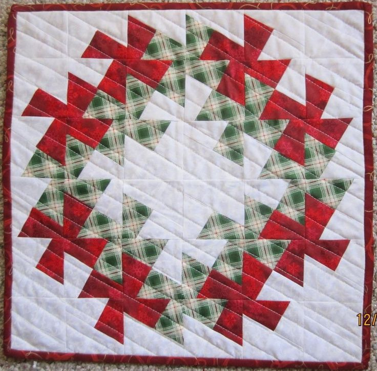 quilting ideas project on craftsy christmas wreath. Black Bedroom Furniture Sets. Home Design Ideas