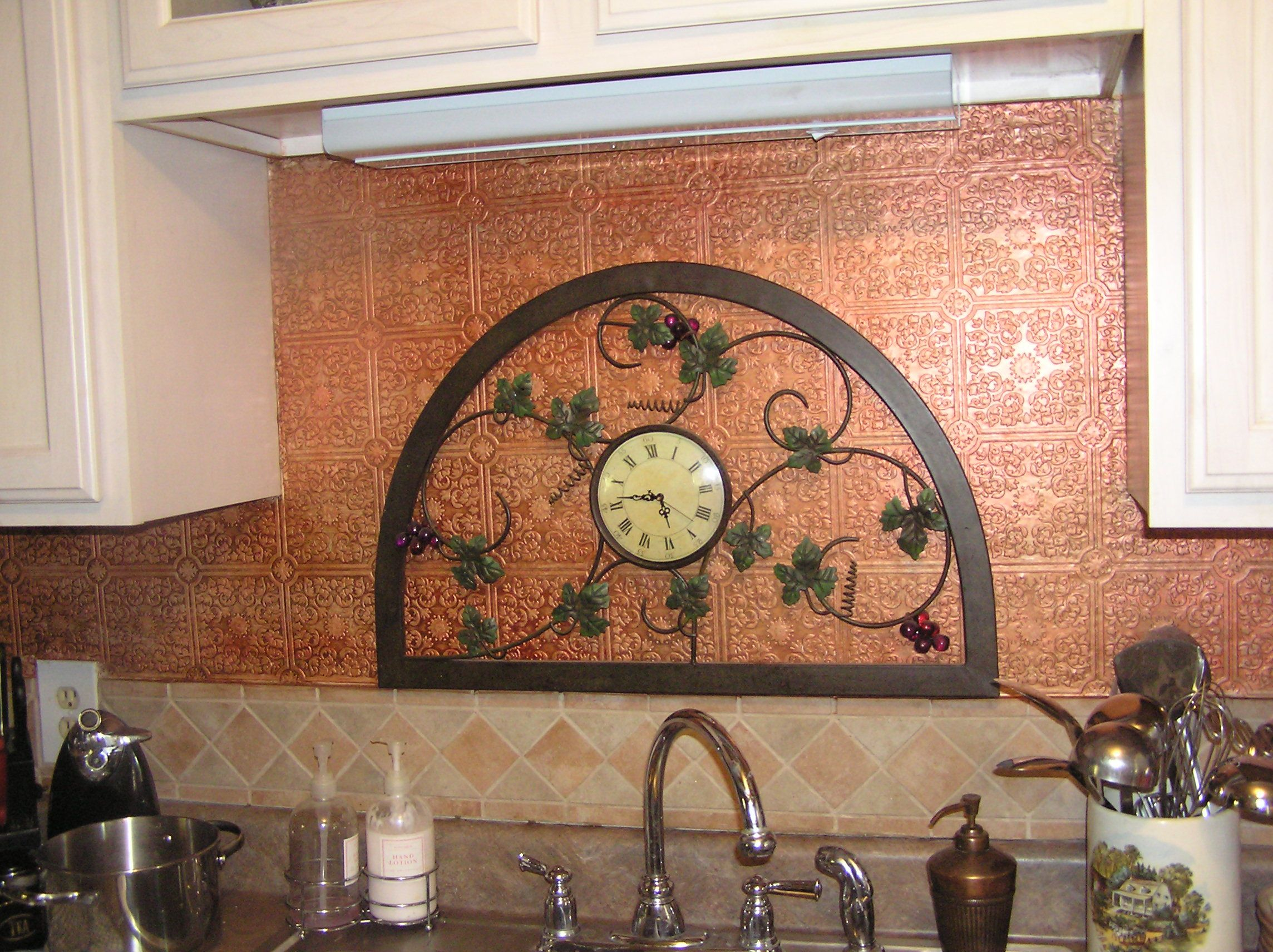 Paintable Wallpaper Over Formica And I Use Tee Shirt Acrylic Paints To Paint Glaze Primitive Kitchen Primitive Decorating Tin Ceiling