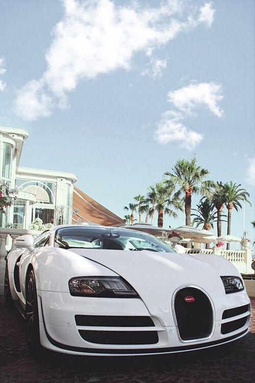 いいね♪ #geton #car #auto #bugatti #ヴェイロン  ↓他の写真を見る↓  http://geton.goo.to/photo.htm  目で見て楽しむ!感性が上がる大人の車・バイクまとめ -geton http://geton.goo.to/
