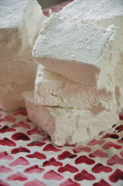 Home-made marshmallows: you will never buy jet-puffed marshmallows again.
