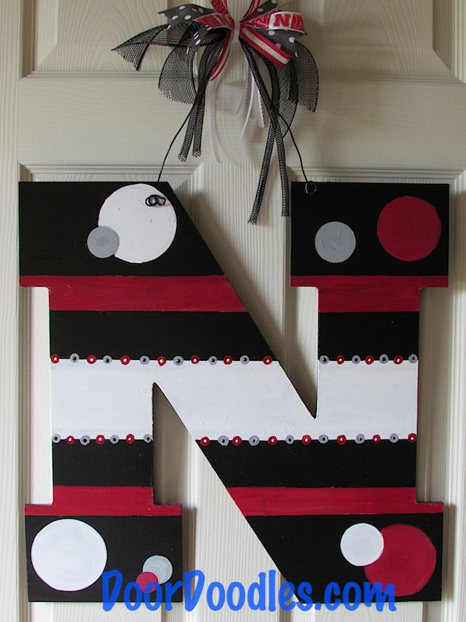 Nebraska N Husker Door Hanger Http Www Doordoodles Com Store C9 Nebraska 21 Html Door Decorations Front Door Decor Porch Decorating