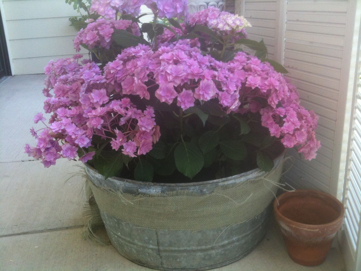 Galvanized Steel Tub Garden Planter Shabby Chic   Perfect For Gardens Or  Balconies.. $38.00
