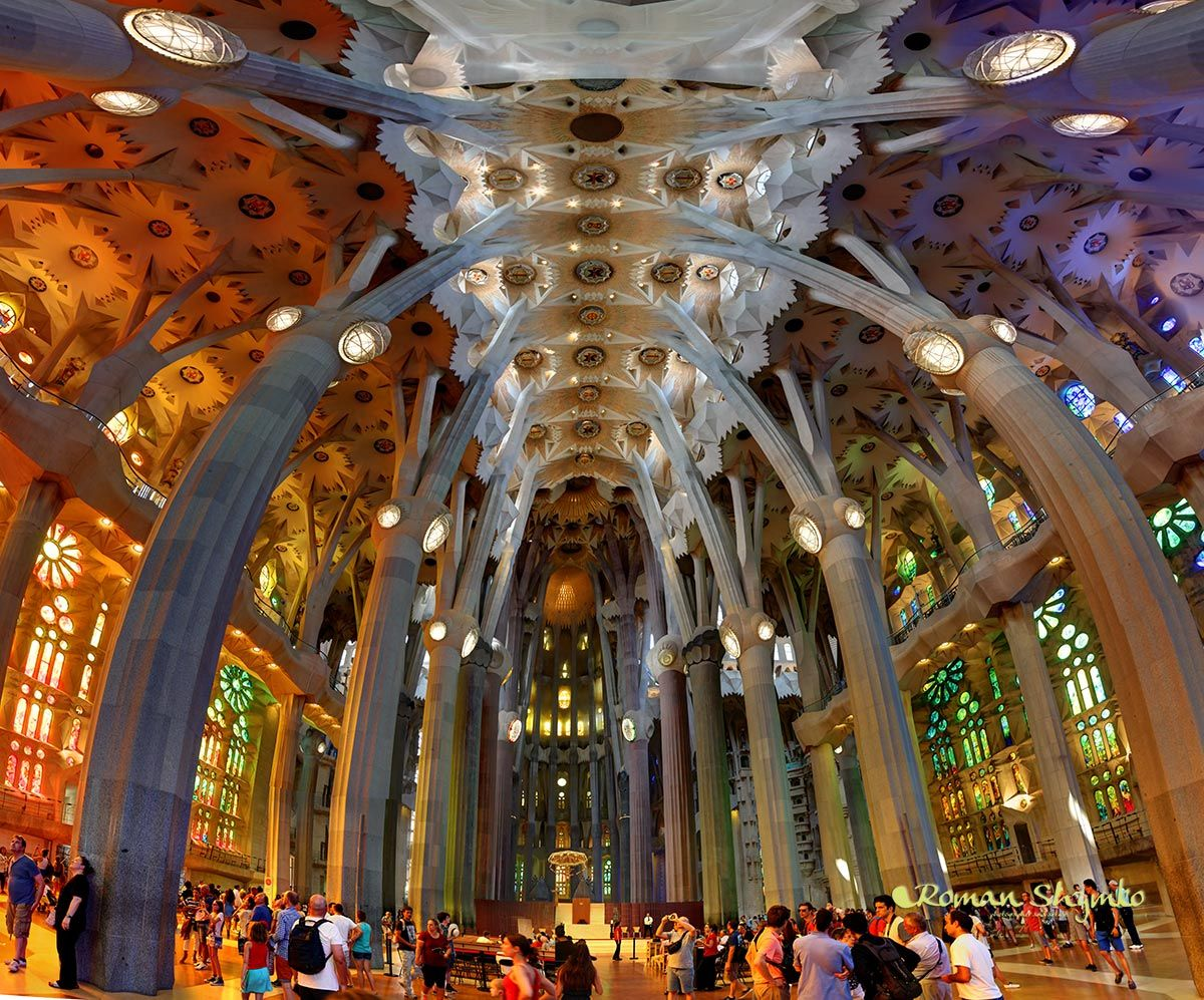 Full vertorama of Sagrada Familia interior | Sagrada familia ...