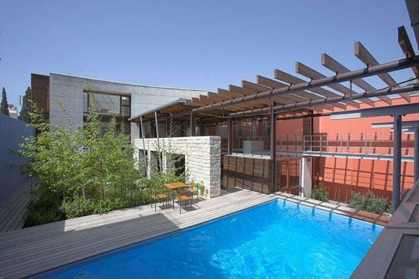 Internal Courtyard Garden Water Features