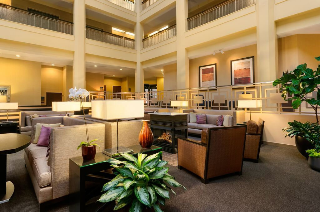 Embassy Suites Chicago North Shore Deerfield, Il | Deerfield, Il Hotel