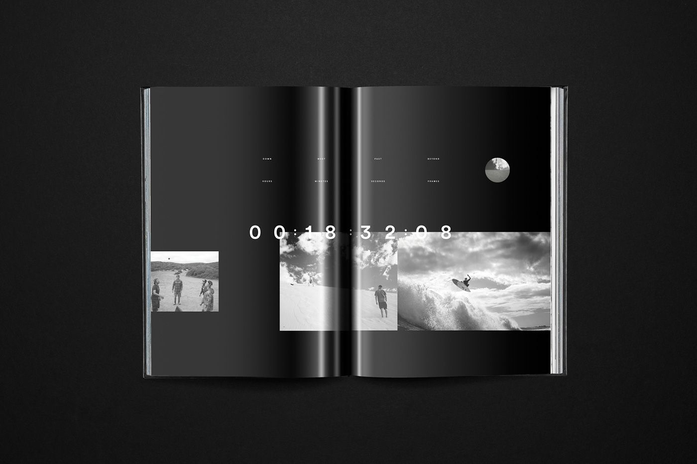 A Blue Moon Book | Abduzeedo Design Inspiration