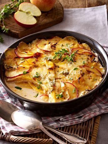 Steckrüben-Kartoffel-Gratin mit Apfelscheiben und Gorgonzola Rezept | LECKER