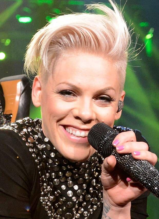 Undercut Die Star Looks Der Trendfrisur 2018 Pink Rawwks