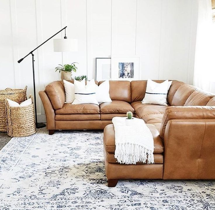 Cozy Modern Homedecor: Leather Sectional Sofa, Modern Farmhouse Living Room Decor
