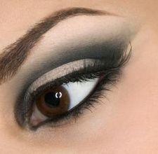 black and white eye make-up