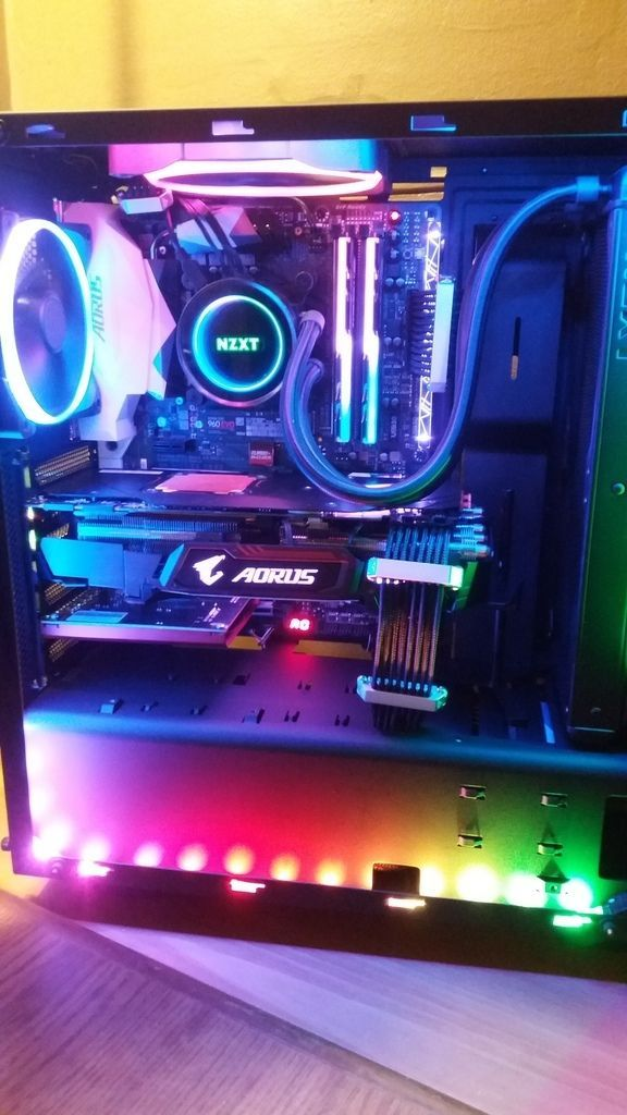 Full Rgb Intel I7 7700k Liquid Cooled Extreme Gaming Pc Aorus 1080