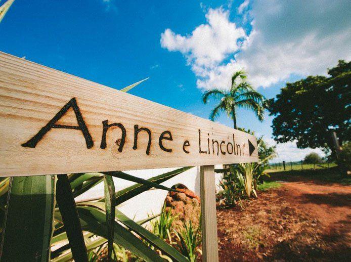 Anne e Lincoln | Paperland Veja mais inspiração para casamento em www.paperlandco.com