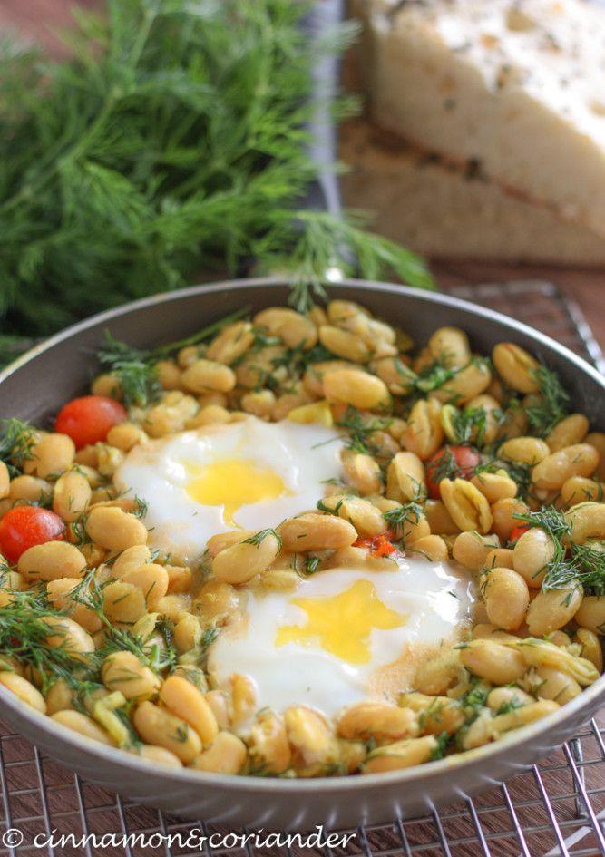 Diese leckere iranische Bohnenpfanne mit Eiern und Dill ist vegetarisch, gesund, schnell gemacht und vollgepackt mit Proteinen aus Lima Bohnen und Ei !
