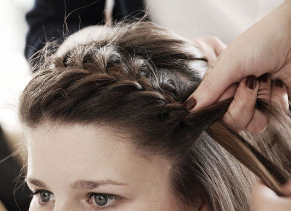 Coiffure Temoin Mariage Coiffure Cheveux Idee Tendances2018 Tendances2019 Cheveux2019 Coiffure Temoin Mariage Temoin De Mariage Tendance Coiffure 2016