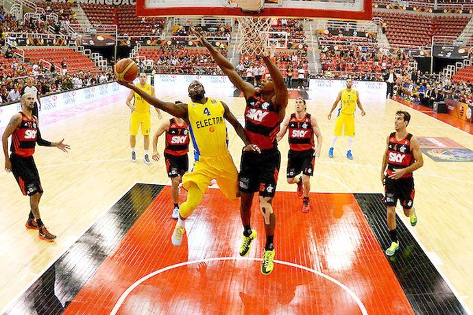 Fla sofre virada no finzinho, e Maccabi leva três pontos de frente para jogo 2 #globoesporte