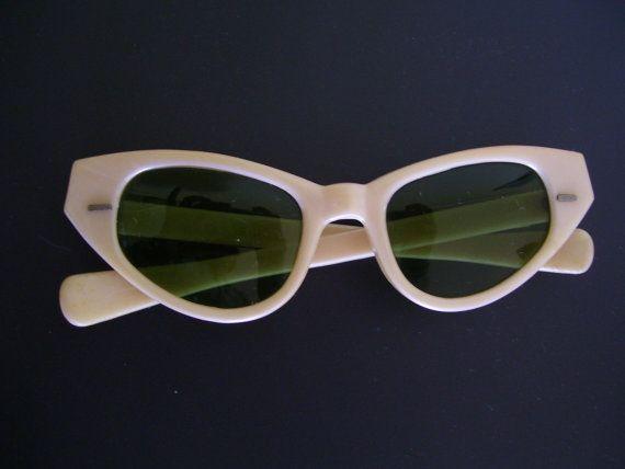 Fabulous 1950s 50s Beige Plastic Sunglasses Cat Eye Cool Ray Polaroid