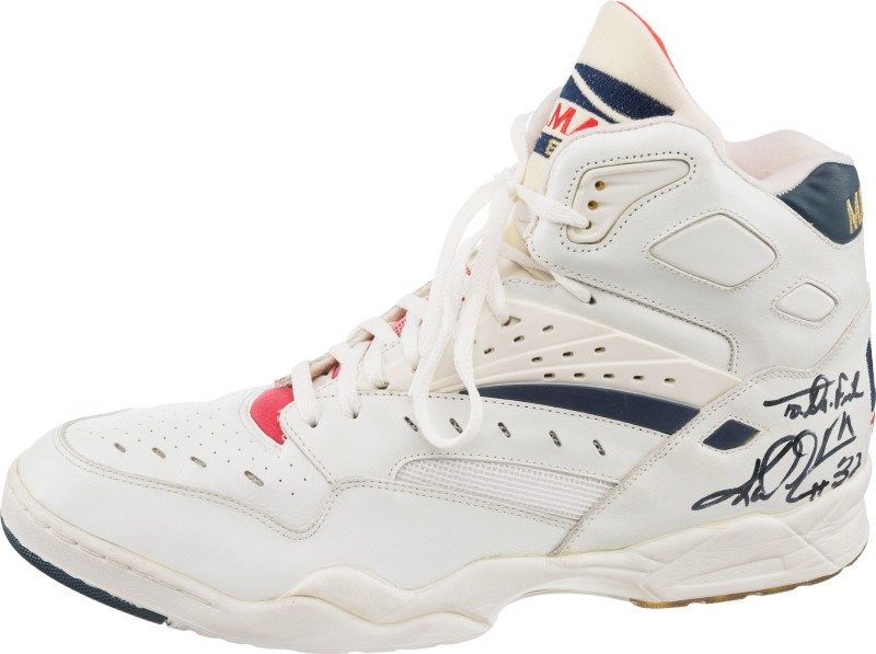 low priced cc860 0ffad Karl dream-team-sneaker-auction-karl-malone-la-gear-catapult-mailman dslrb5