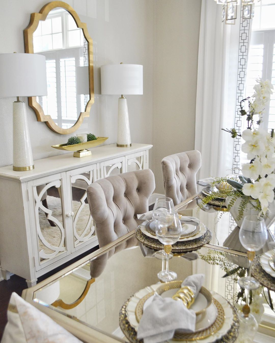 15 Glam Dining Rooms You Must See In 2021 Glass Dining Room Table Cheap Home Decor Decor