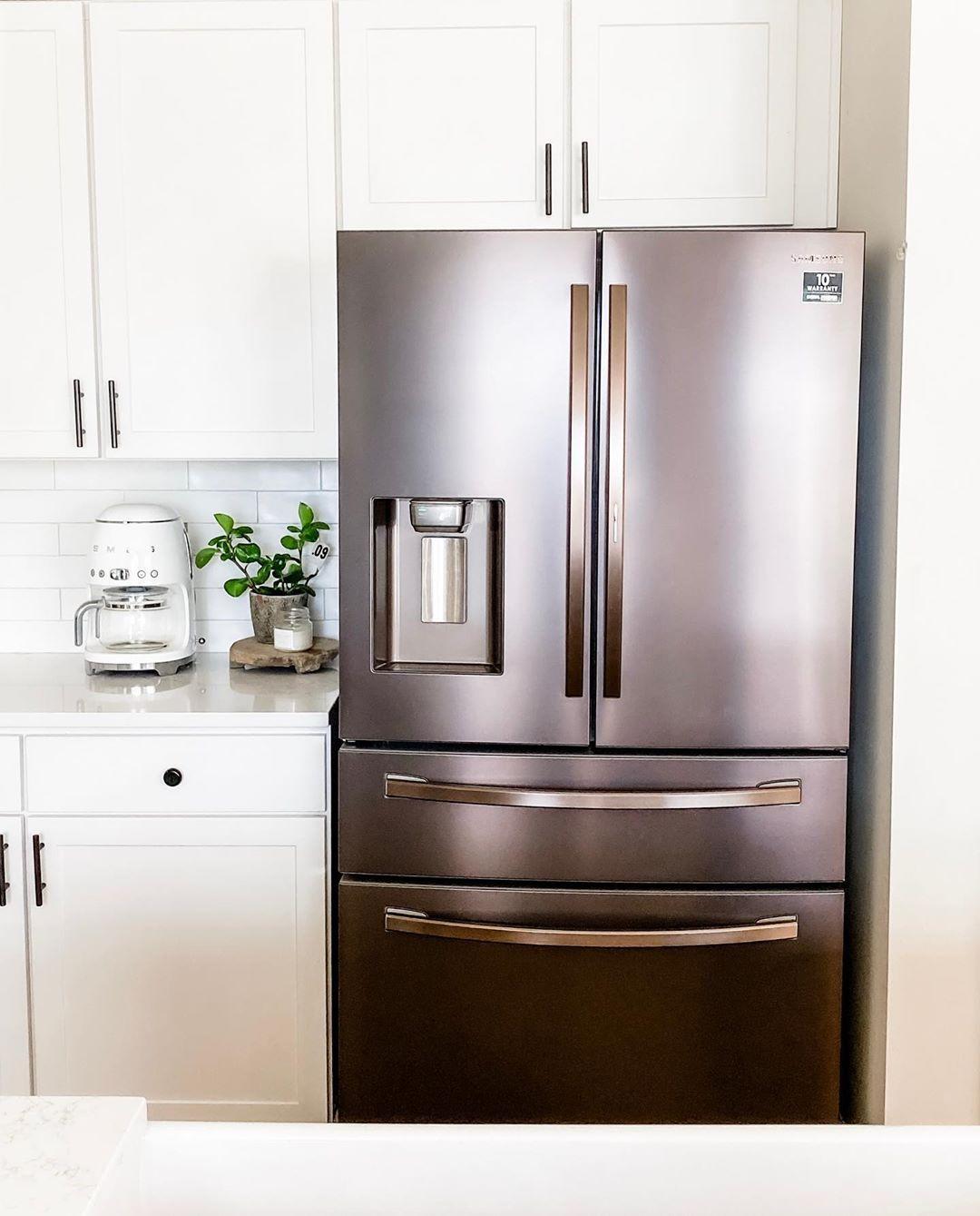 Download Wallpaper White Or Silver Kitchen Appliances