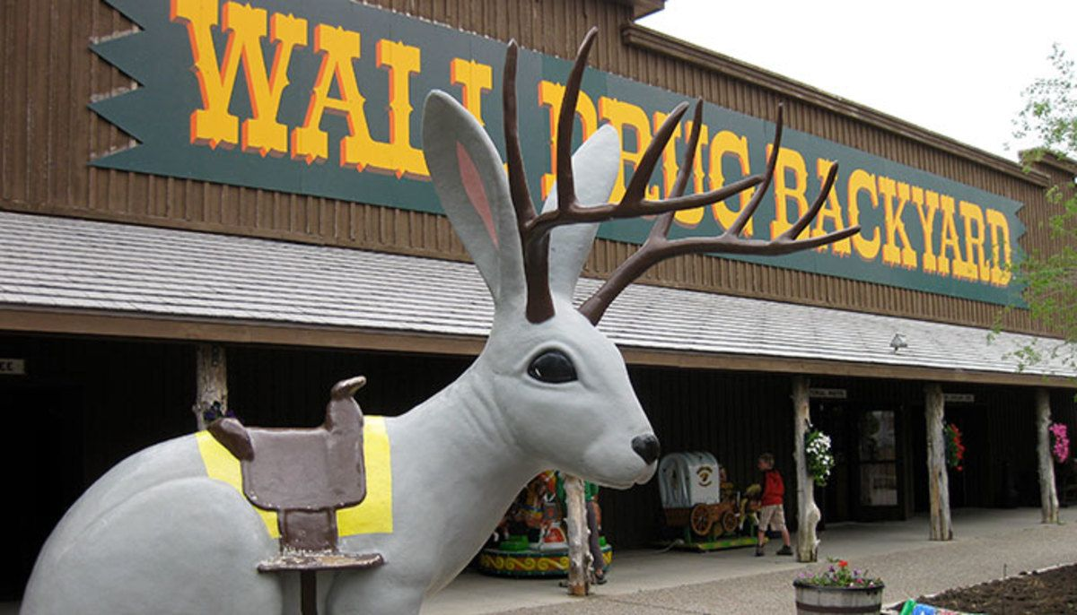 stop at wall drug in south dakota wall drug wall drug on wall drug south dakota id=27051