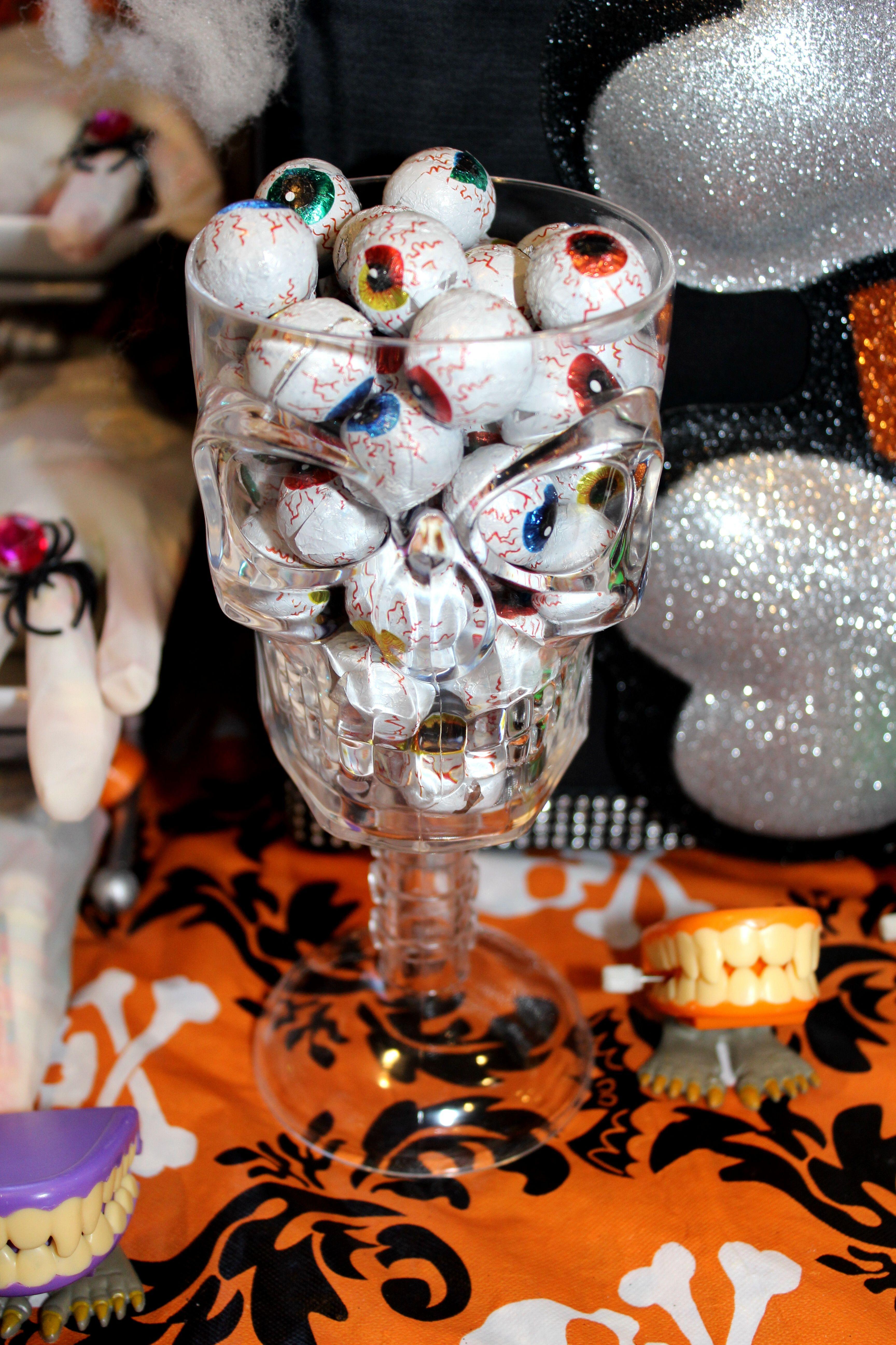 Halloween buffet table - Spooky Halloween Candy Table