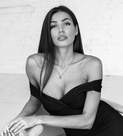 Katerina Sozinova Nude Photos 32