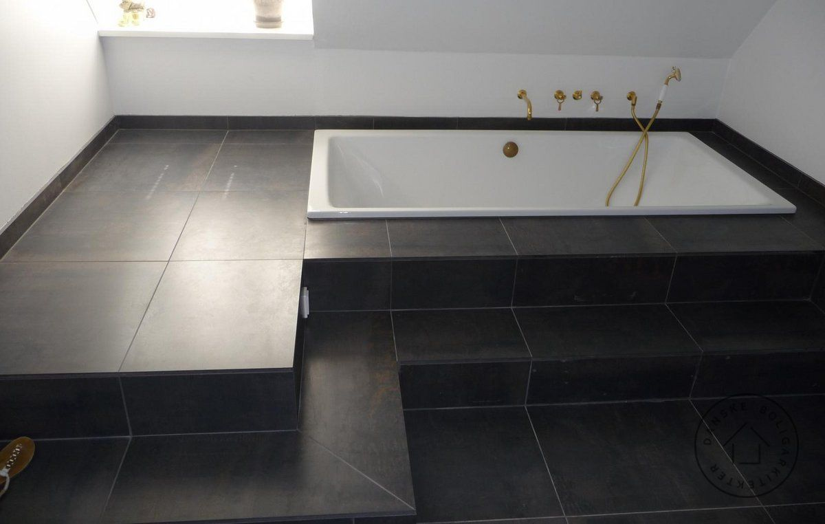 indbygget badekar Harmonisk tilbygning til murermestervilla med indtegreret garage i  indbygget badekar