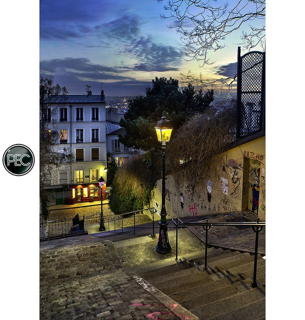 rue du Calvaire Montmartre - Paris by _PEC_, via Flickr