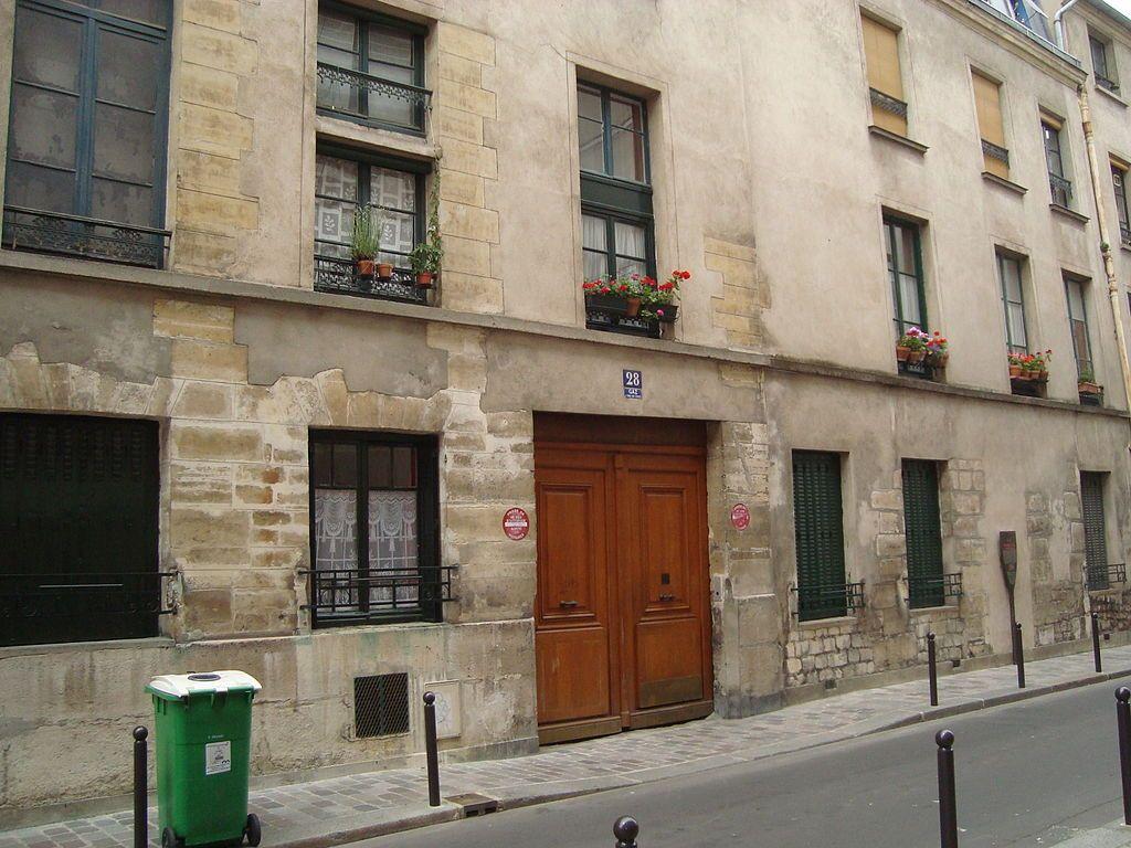 Paris 13e - 28 rue des Tanneries -   Entrée de l'ancien couvent des Filles-Anglaises.