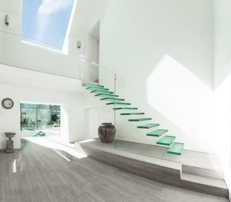 stufen und geländer aus glas für modernen innenraum | treppen, Innenarchitektur ideen