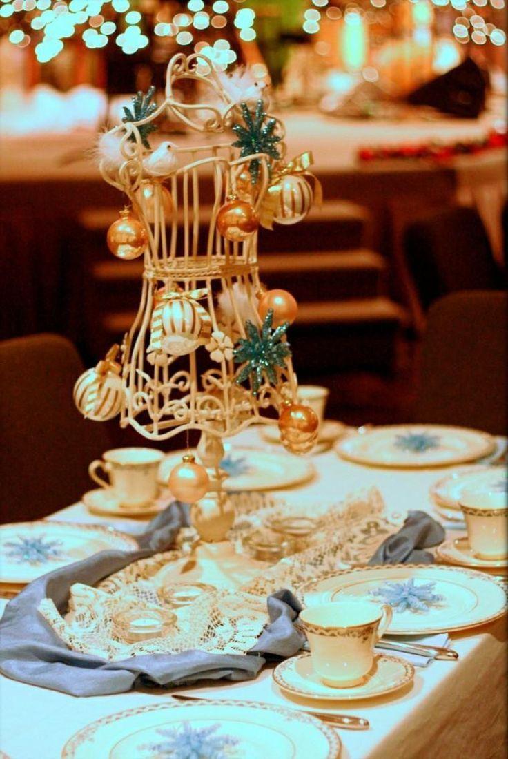Christmas dinner with charm and glamor 50 ideas