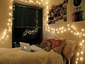 University Bedroom Ideas: How To Decorate Your Dorm Room With Fairy Lights  Great Decorating Article! Part 11