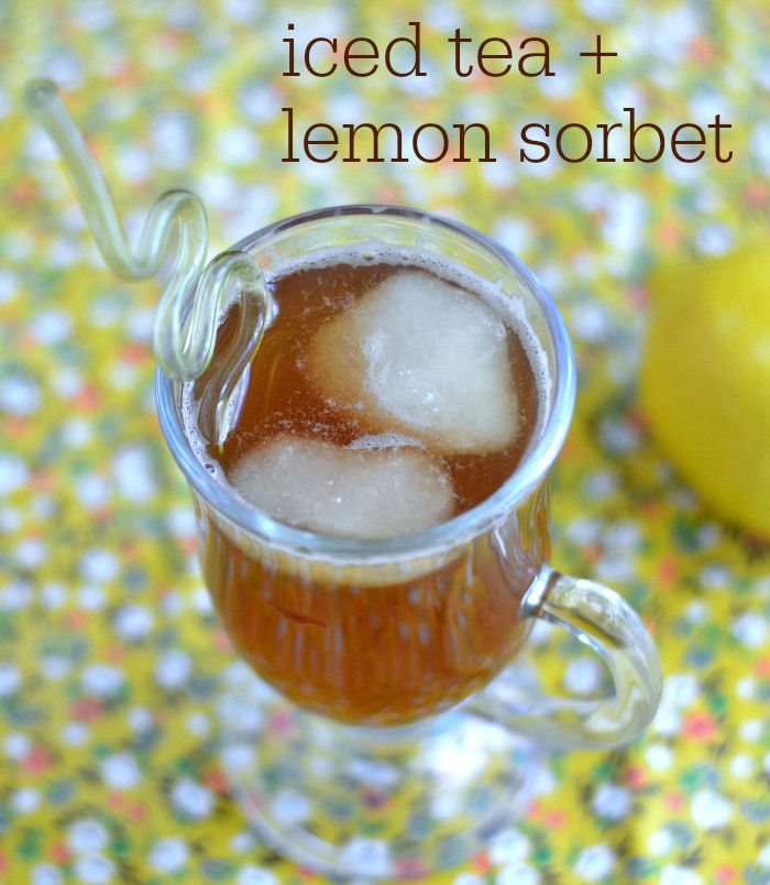 This iced tea with lemon sorbet is a healthy, refreshing drink for a warm summer day. Delicious recipe!