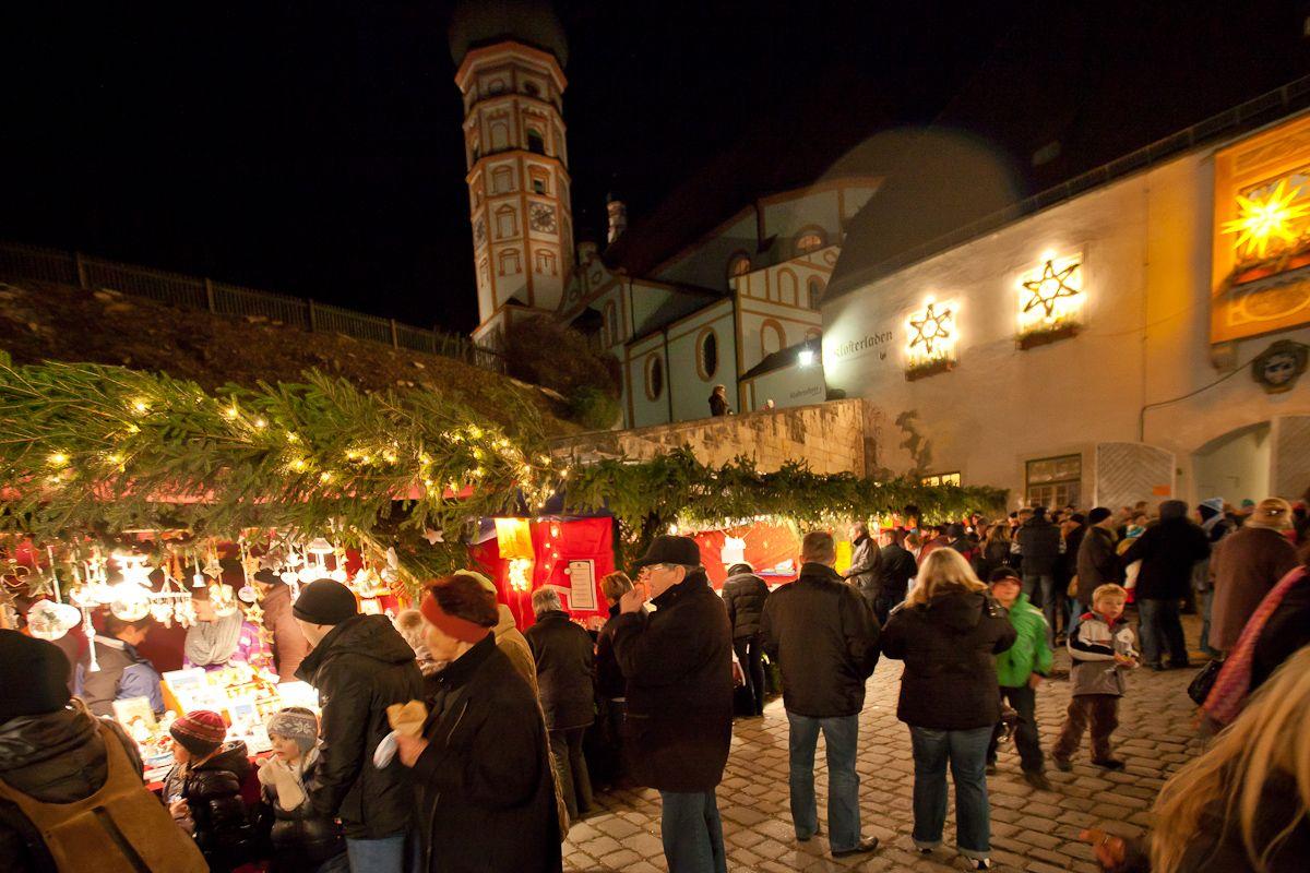 Kloster Andechs Weihnachtsmarkt.Der Christkindlmarkt Hat Eine Wunderschone Atmosphare Vor