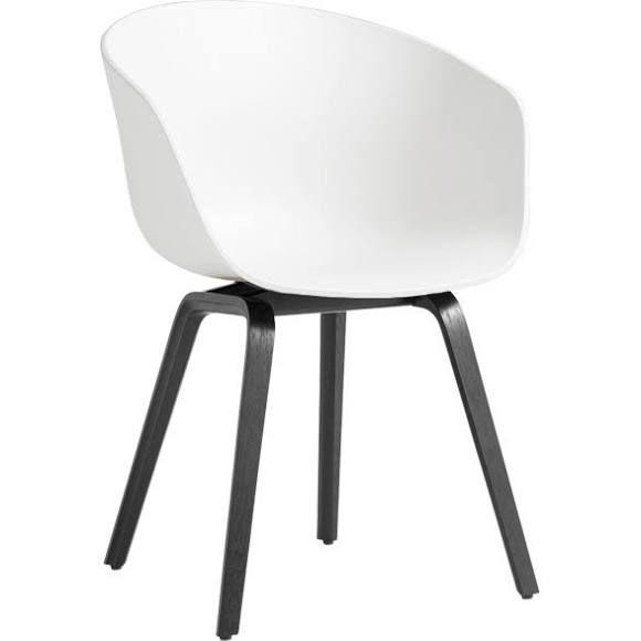 Hay About A Chair 22 Armlehnstuhl   Weiß/Gestell Esche Gebeizt Schwarz