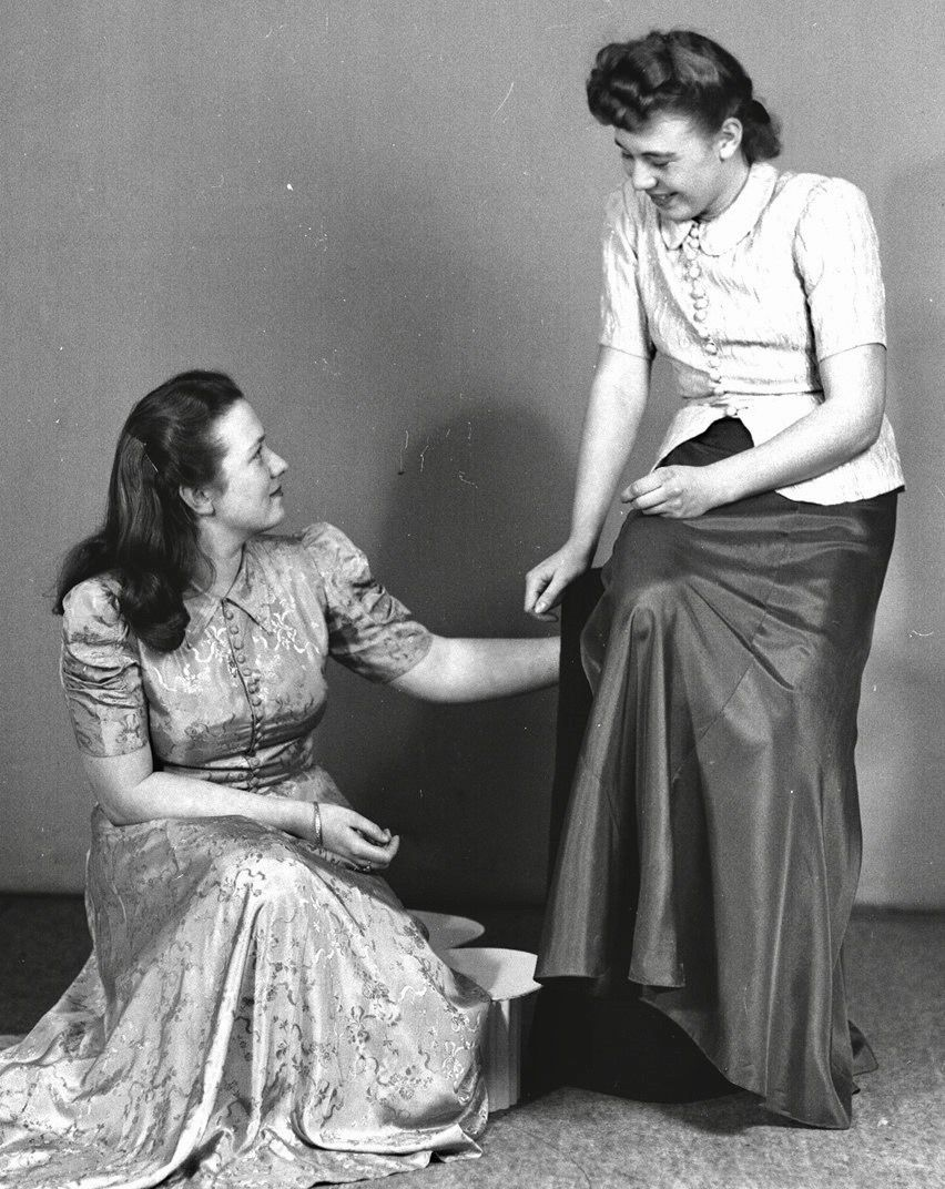 Fashion 1940s Two Female Models Flirty 40s Style Evening: Pin By 1930s/1940s Women's Fashion On 1940s Evening Wear