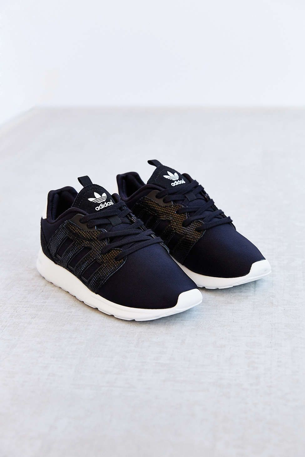ebe65b81094 adidas ZX 500 2.0 Sneaker - Urban Outfitters