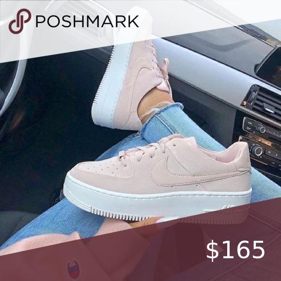 Nike Air Force platform pastel pink in
