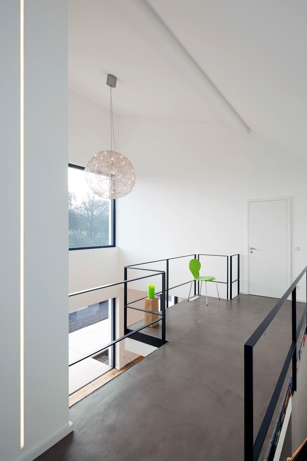 Couloir et hall d\'entrée de style par | Treppe | Haus ...